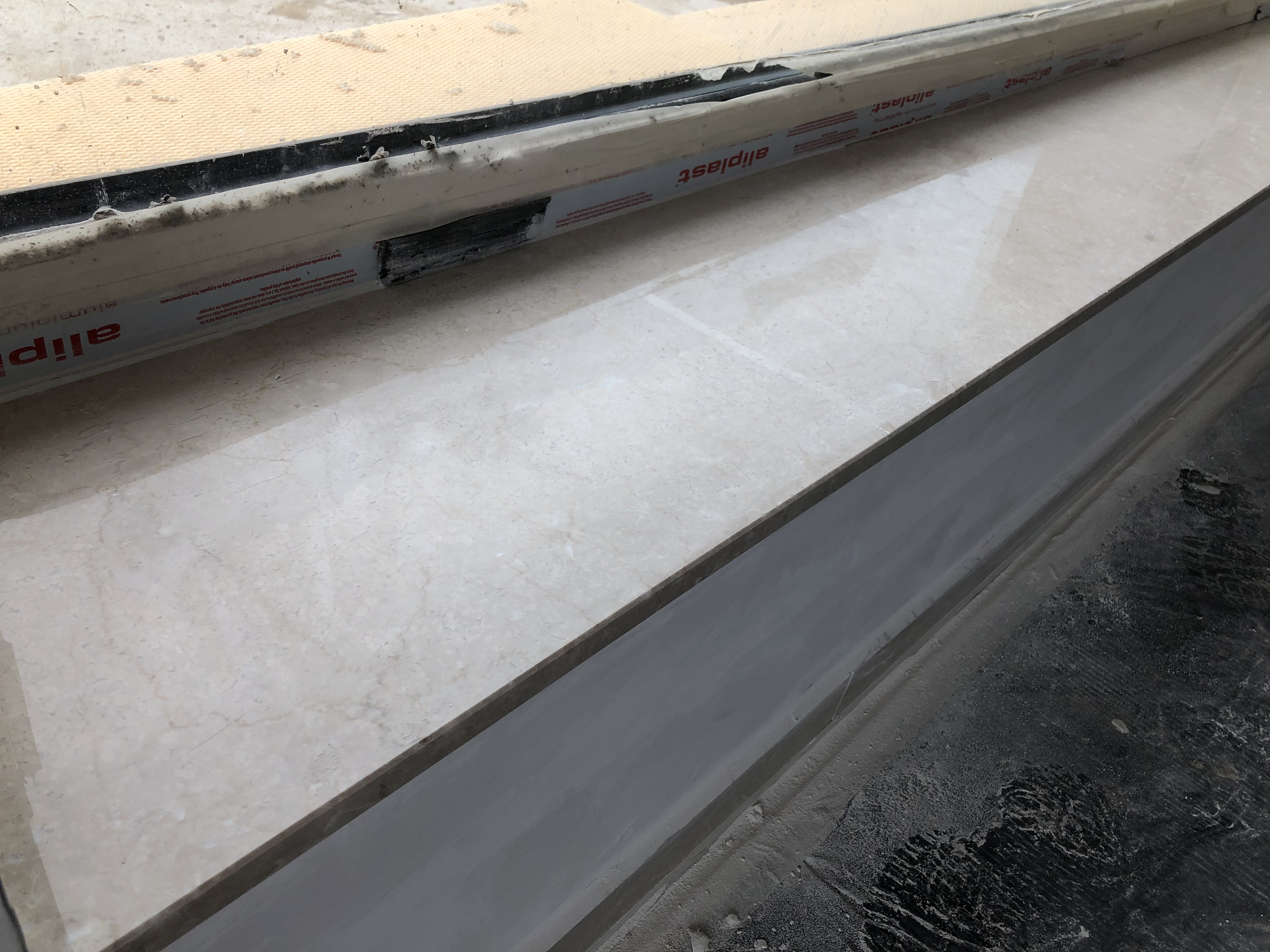 Botticino x2cm, fényes felülettel, teljes megmunkálással!