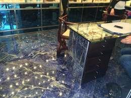 Ékszerüzlet, Capri szigetén  Saját kivitelezőkkel  Lapis Lazuli gránit