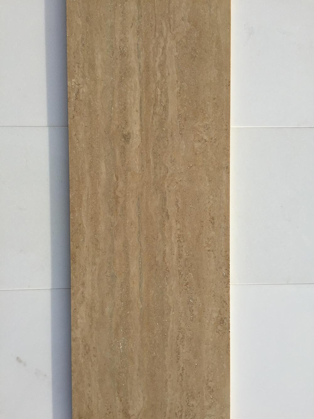 Travertin classic matt mészkő Nagy mennyiségben elérhető  30 x változó hossz x 1,5 cm  Azonnal Elérhető