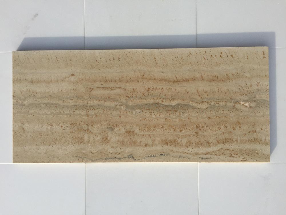 Travertino Romano Fényes v. Matt Mészkő 30 x változó hossz x 1,5 cm  Azonnal Elérhető